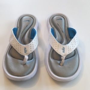 Nike Comfort Footbed Shoe Size 6